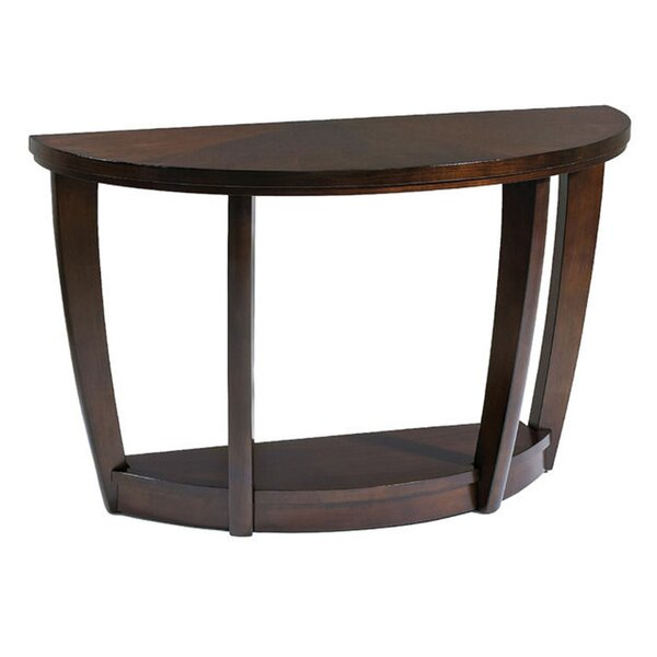 Review Waltman Console Table