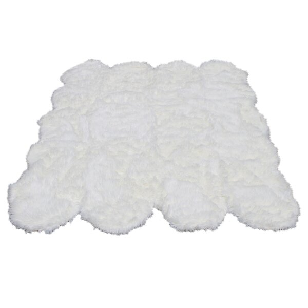 KeAndre Faux Fur White Area Rug by Everly Quinn