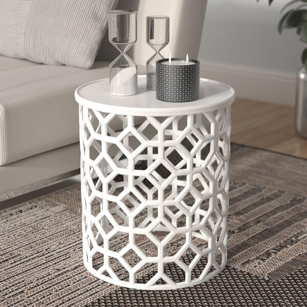 Dilan End Table By Ivy Bronx