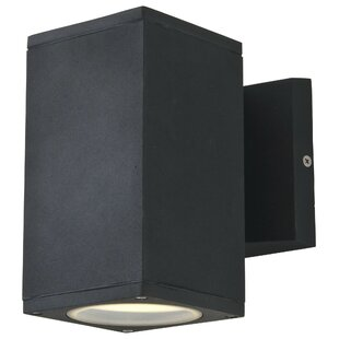Best Price Summerside 1-Light Outdoor Sconce By DVI