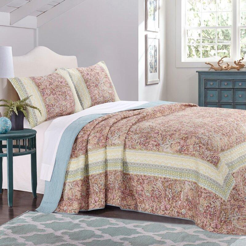 Fraire Reversible Bedspread Quilt Set & Reviews   Joss & Main : bedspread quilt - Adamdwight.com