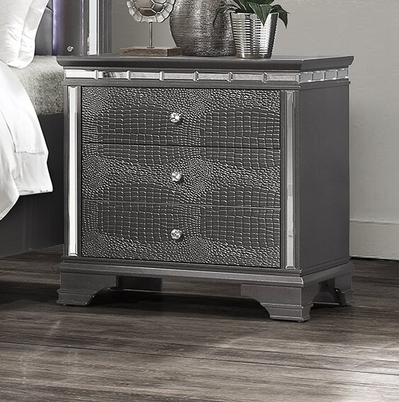 Landgraf 3 Drawer Nightstand by Everly Quinn