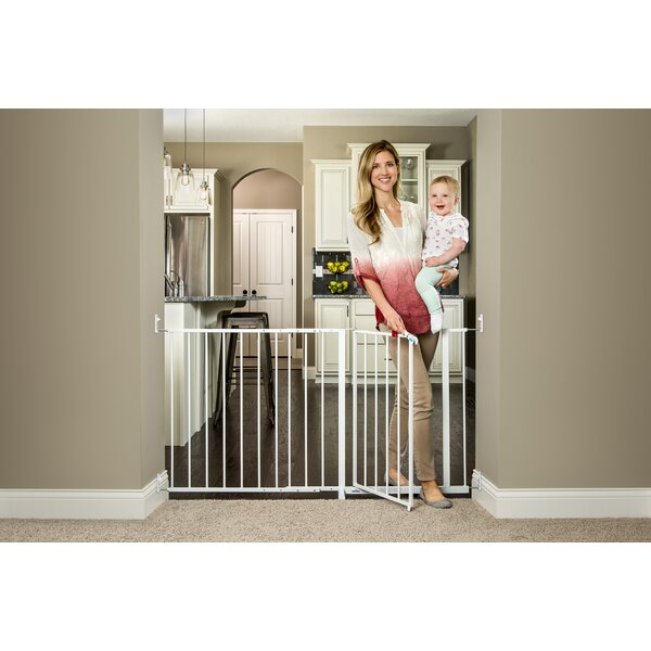 Maxi Super Wide Saftey Gate by Regalo