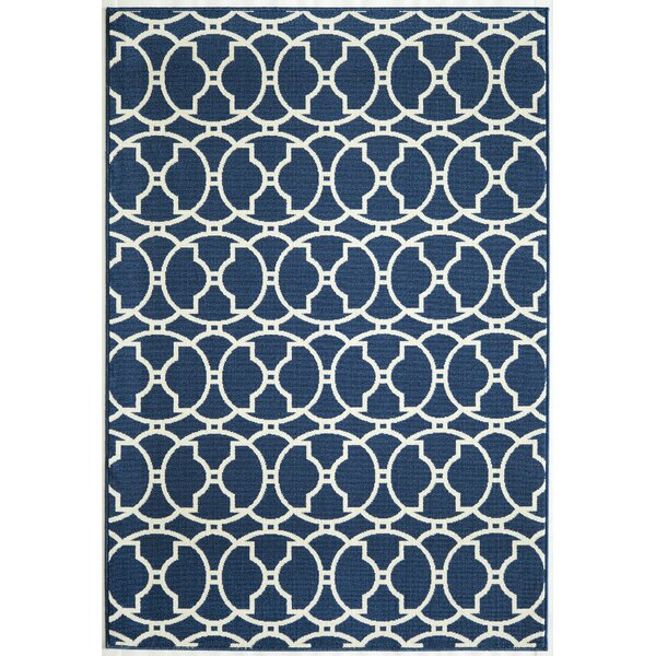 Halliday Traditional Navy Indoor/Outdoor Area Rug by Beachcrest Home