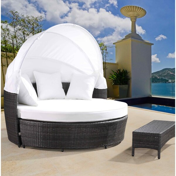 Sogno Patio Daybed Set with Cushion by Velago