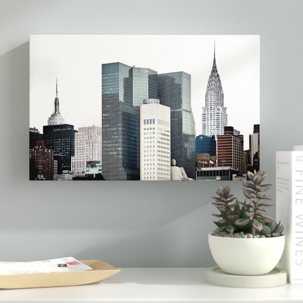 New York Architecture Photographic Print on Wrapped Canvas by Latitude Run