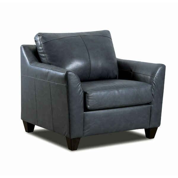 Review Cyrus Armchair