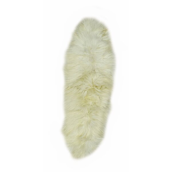 Jelks Icelandic Sheepskin Ivory Area Rug by House of Hampton