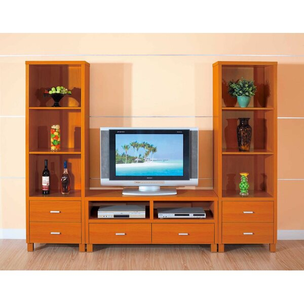 Pena-Urena Entertainment Center by Latitude Run