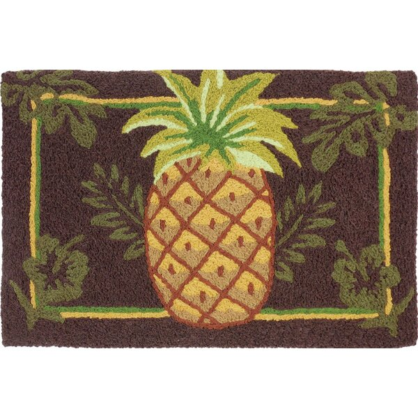 Quillen Welcoming Pineapple Hand-Tufted Brown/Green Indoor/Outdoor Area Rug by Bay Isle Home