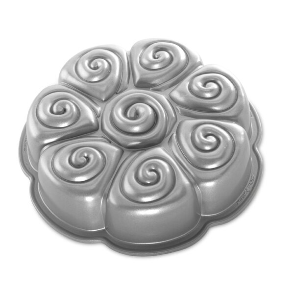 Cinnamon Bun Pan by Nordic Ware