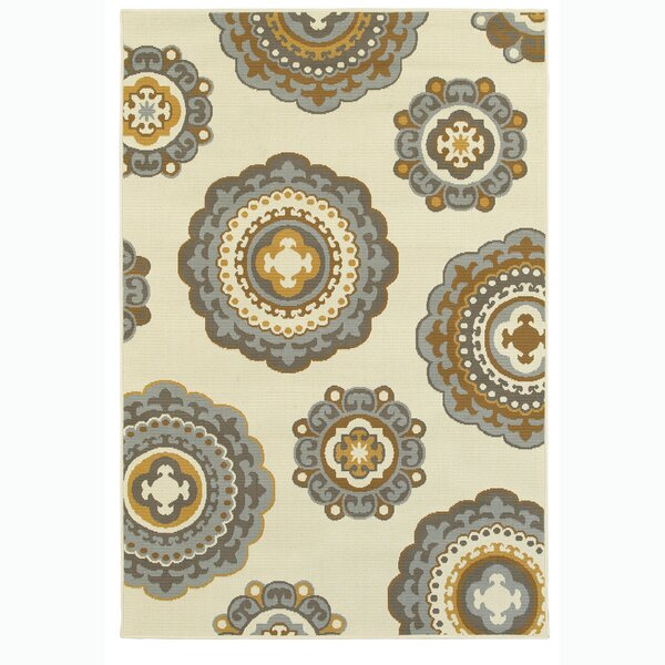Cristian Relaxed Medallion Ivory/Blue/Mustard Indoor/Outdoor Area Rug by Alcott Hill
