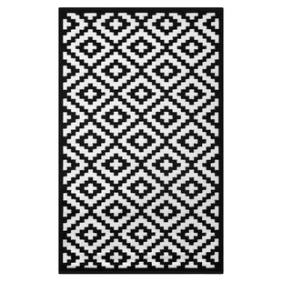 Best Nirvana Black/White Indoor/Outdoor Area Rug By Green Decore