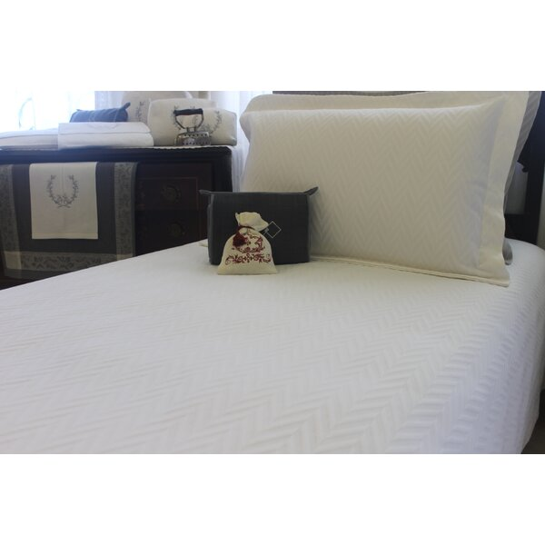 Daniels Matelasse Single Coverlet