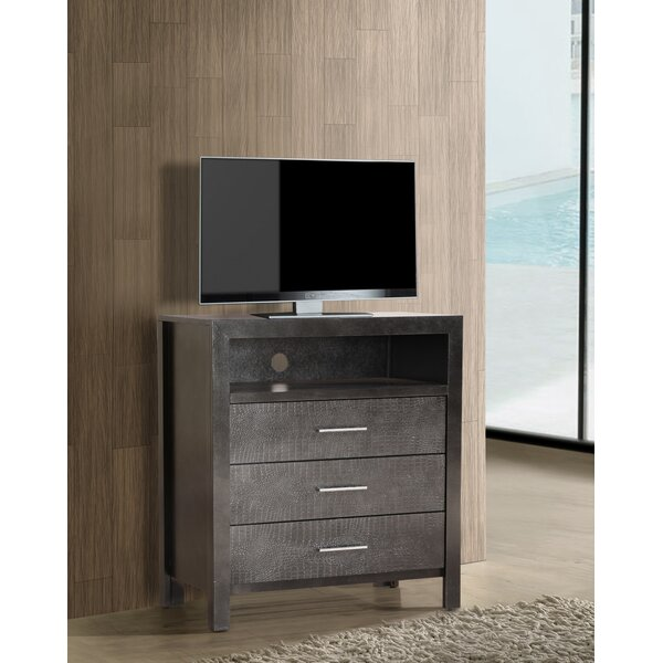 Raye 3 Drawer Bachelors Chest by Everly Quinn