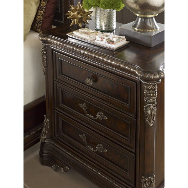 Hepburn 3 Drawer Bachelors Chest by Astoria Grand