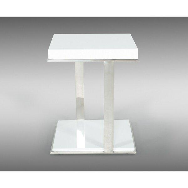 Aden Modern Tray Table by Orren Ellis