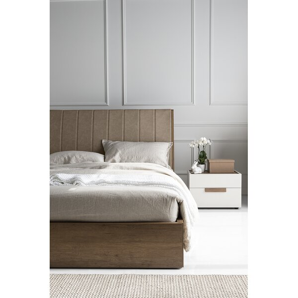 Salton Upholstered Bed by Calligaris