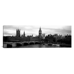 'London, England' Photographic Print on Canvas by East Urban Home