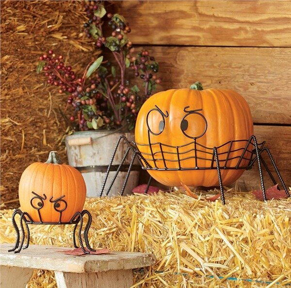 2 Piece Spider Pumpkin Holder Set by Plow & Hearth