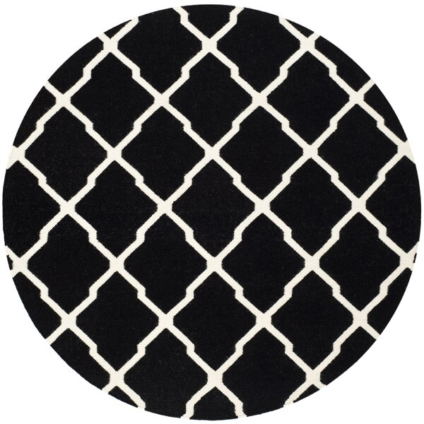Dhurries Black/Ivory Area Rug by Safavieh