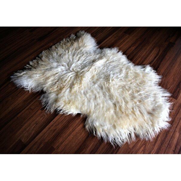 Cabello Animal Print Handmade 2'2 x 3' Sheepskin Beige Indoor / Outdoor Area Rug