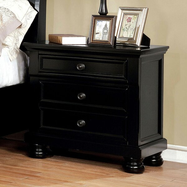 Kellen 3 Drawer Nightstand by Alcott Hill