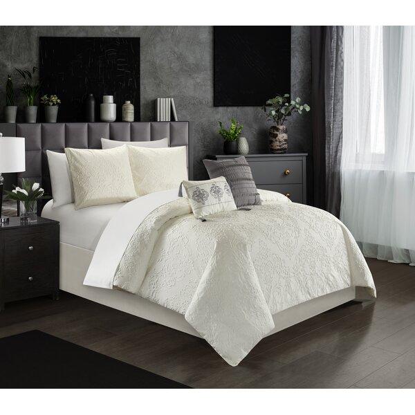 Hoskin Comforter Set