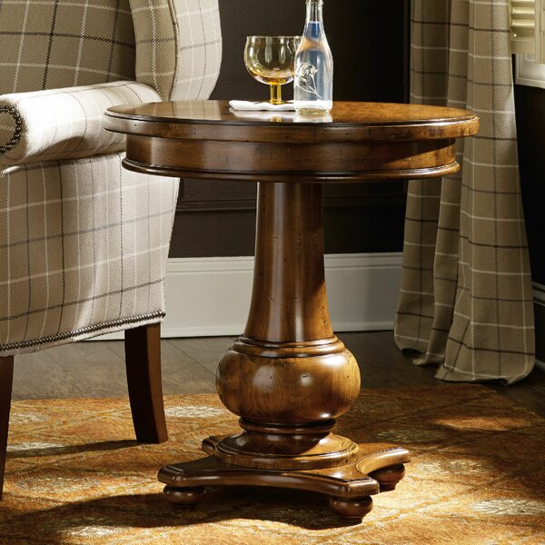 Tynecastle End Table by Hooker Furniture
