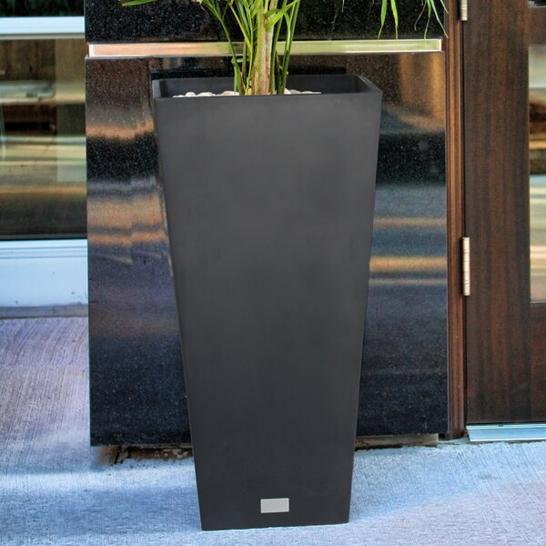 Allam Plastic Pot Planter by Veradek