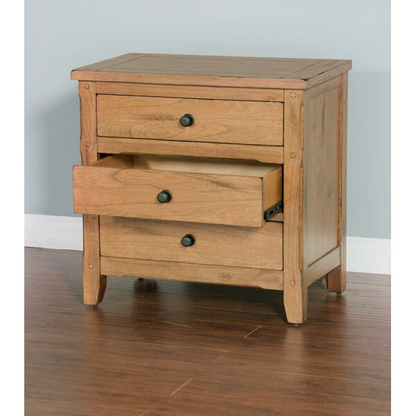 Fresno 3 Drawer Nightstand by Loon Peak