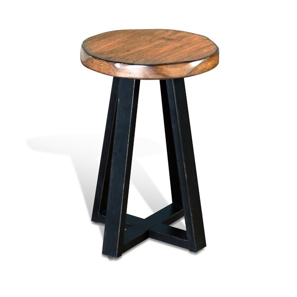 Shamane End Table by Gracie Oaks