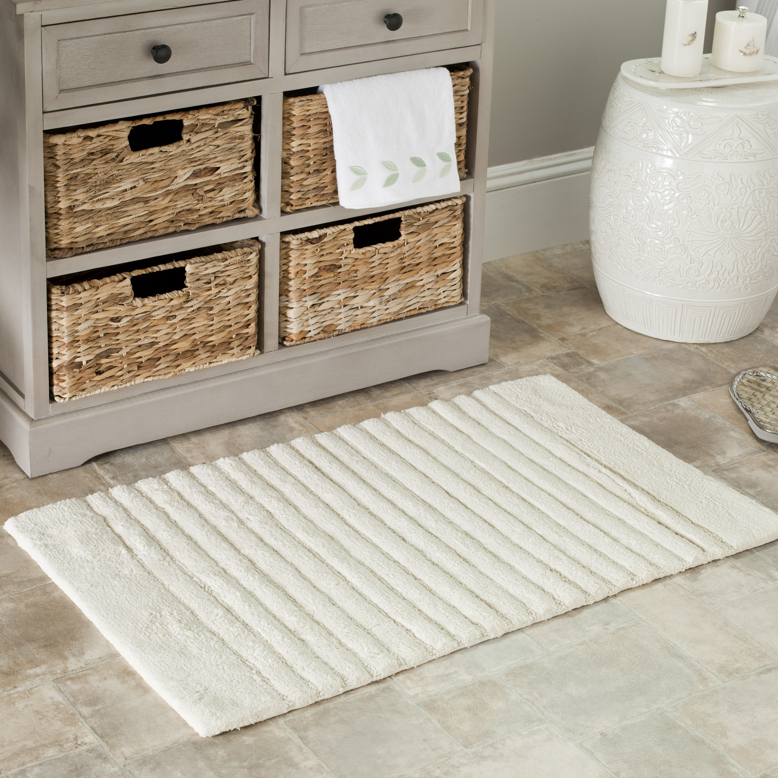 Safavieh 2 piece plush master bath rug set reviews wayfair for Master bathroom rugs