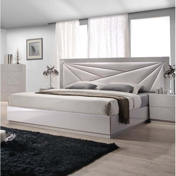 Ernesto Upholstered Platform Bed by Wade Logan