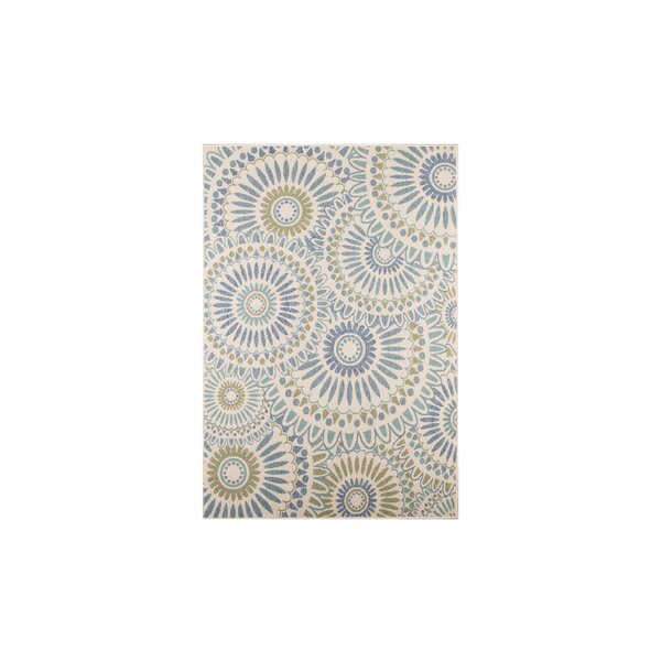 Caroline Indoor/Outdoor Rug in Green by Safavieh