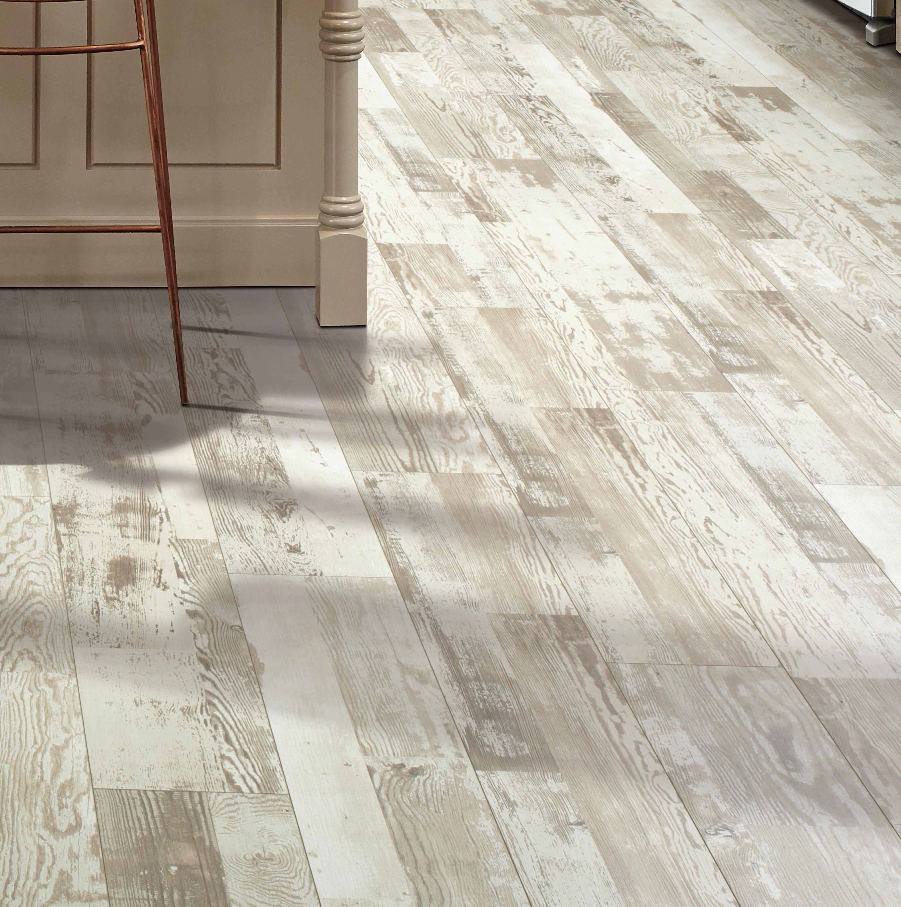 Mohawk Cashe Hills 75 X 4725 X 787mm Pine Laminate Flooring In
