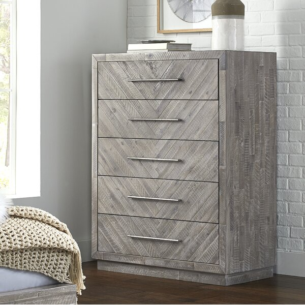 Robards 5 Drawers Dresser by Union Rustic Union Rustic
