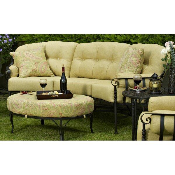 Urquhart Sofa with Cushion by Fleur De Lis Living