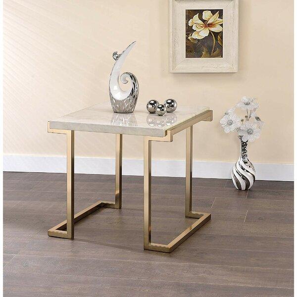 Lavenia End Table By Everly Quinn