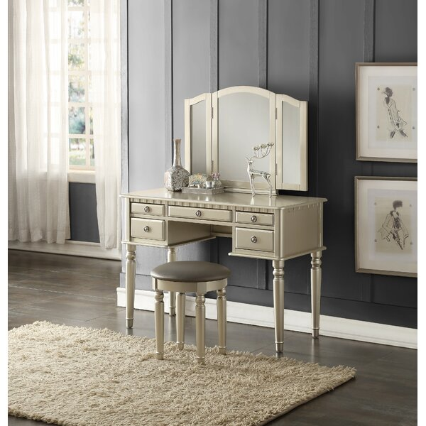 Josefina Vanity Set with Mirror by Charlton Home Charlton Home