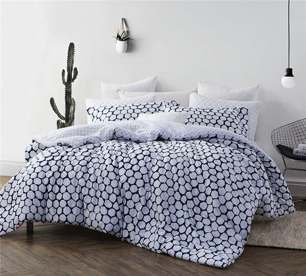 Basinger Comforter by Ivy Bronx