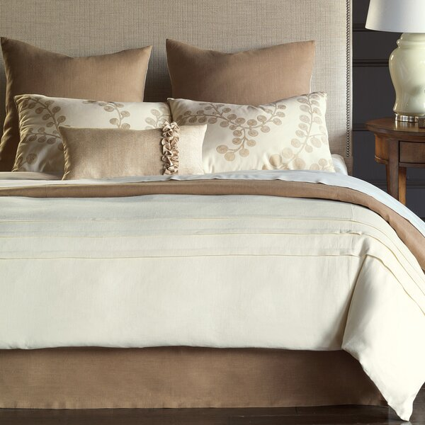 Breeze Button-Tufted Comforter
