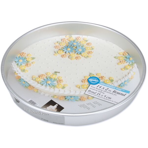 Round Performance Cake Pan by Wilton