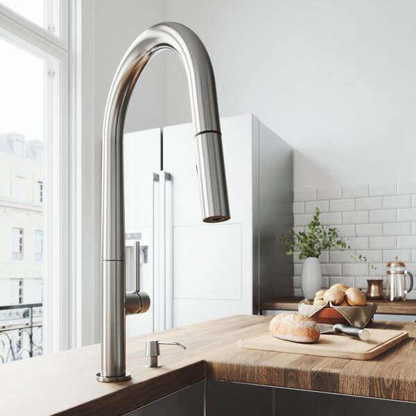 Greenwich Pull Down Single Handle Kitchen Faucet by VIGO