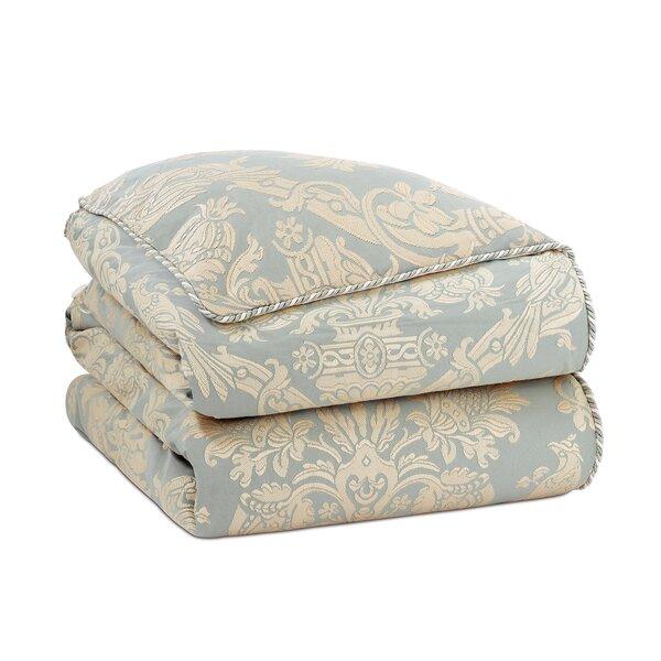 Carlyle Single Reversible Comforter