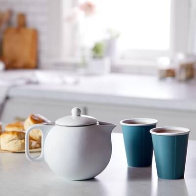 Jaimi 1.14  Qt. Porcelain China Teapot by Viva Scandinavia