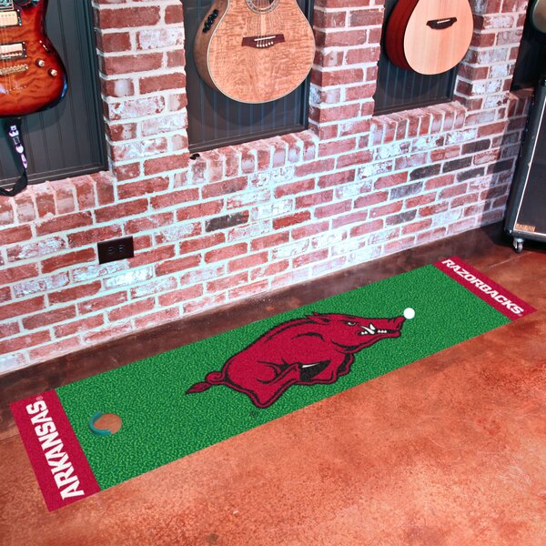 NCAA University of Arkansas Putting Green Doormat by FANMATS