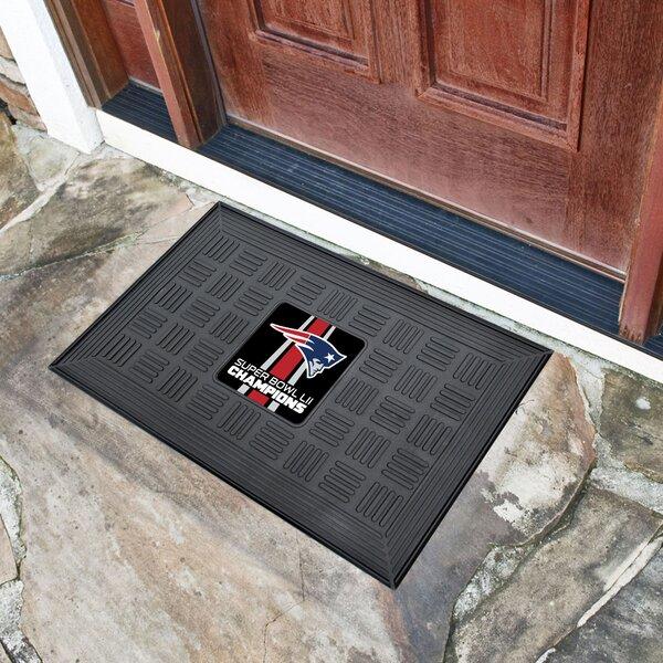 New England Patriots Medallion Door Mat by FANMATS