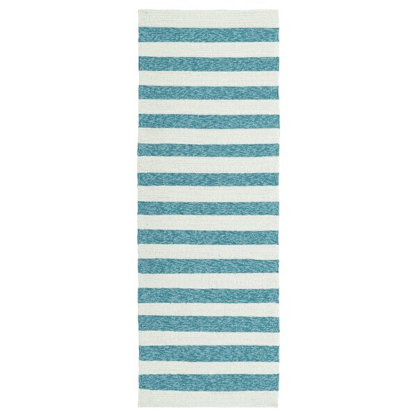 Suffield Hand-Tufted Blue Indoor/Outdoor Area Rug by Breakwater Bay
