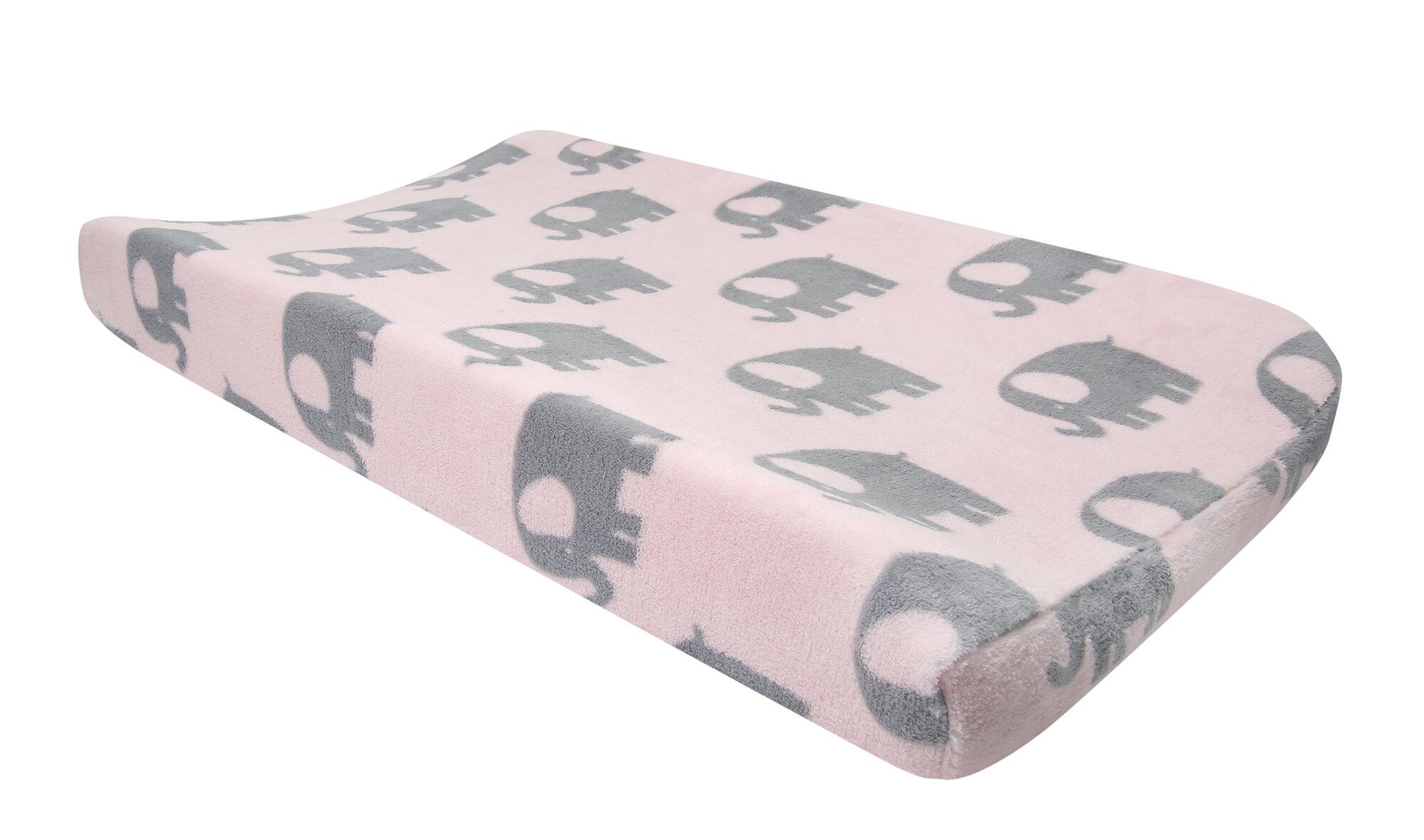 GG Bailey D1375A-CMA-PNK Custom Cargo Mat Pink